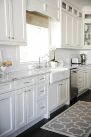 Farmhouse Style Kitchen Sinks 25 Best Ideas About White Farmhouse Kitchens On Pinterest
