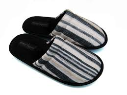 Mens Leather Bedroom Slippers Great Selection Of Novelty Slippers For Him