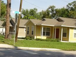 new ideas yellow house red door with red door photo newerhousesintheneighborhood