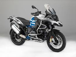2018 bmw f900gs. interesting f900gs bmw reveals updates for 2018 visordown in bmw f900gs