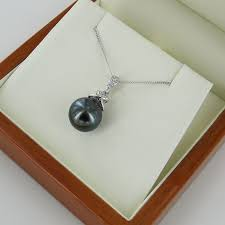 tahitian pearl diamond pendant necklace 10 11mm 9k white gold absolute pearls