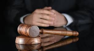 За умисне завдання побоїв мешканцю Старобільська  обвинуваченому судом призначено виправні роботи