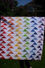 FREE pattern: Rainbow Migrating Geese Quilt (from Sew Create It ... & sew create it: Rainbow Migrating Geese –Tutorial Adamdwight.com
