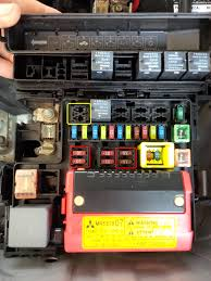 2005 endeavor not keeping charge to run mitsubishi forum 2004 Mitsubishi Endeavor Fuse Box here are some pics of the fuse boxes the red circled ones have no power going thru them running or not the yellow appears to need a relay but doesn't have 2004 mitsubishi endeavor fuse box diagram