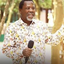 The state commissioner of police, hakeem odumosu disclosed that tb joshua was officially pronounced dead by a hospital around 3am on sunday. 9 V4ixqemsdlsm