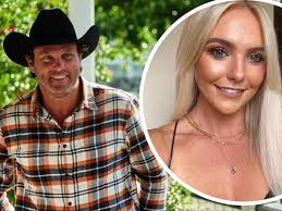 We revisit nick and liz, harry and stacey, neil and justine, farmer alex and farmer sam. Farmer Wants A Wife Star Hayley Love Pregnant With Will Dwyer S Child Perthnow