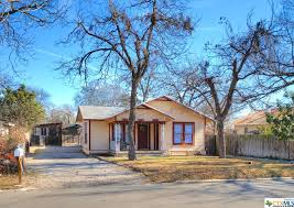 569 s sycamore new braunfels tx 78130 better homes and gardens real estate bradfield properties