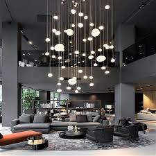 Такава зала е типично решение за планиране на модерен и уникален дизайн на таваните ще помогне да се създаде уникален интериор на. Obzavezhdane Na Hol 37 Raznoobrazni Idei Interioren Dizajn I Upravlenie Na Proekti