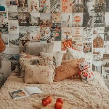 Wallpaper dengan motif bunga dan motif hello kitty masih sangat diminati untuk dekorasi kamar tidur anak perempuan. Poster Aesthetic Poster Dinding Wallpaper Dinding Murah Shopee Indonesia