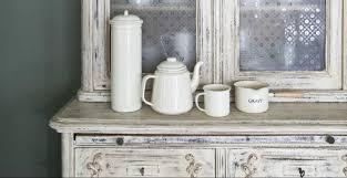 Accostare mobili e complementi darredo vintage in cucina non