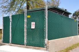city chain link fence privacy screen