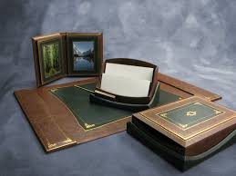 find executive leather gifts for the discerning customer