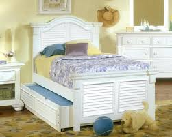 traditional bedroom furniture. Interesting Bedroom White Bed Furniture Twin Size Bedroom Sets Traditional  Design With Frame Designed For
