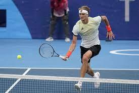 Alexander Zverev upsets Novak Djokovic ...