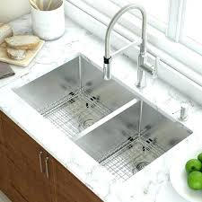 undermount sink with laminate countertop for