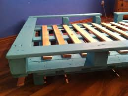 things to make out of pallets | Pallet bed - single bed made from pallets -