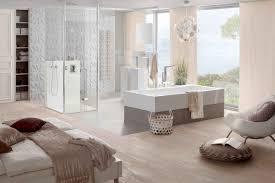 Kombinierte Schlafzimmer Und Badezimmer Mit Rechteck Badewanne One