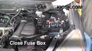 blown fuse check 2002 2006 honda cr v 2006 honda cr v se 2 4l 4 cyl Honda G100 Engine Fuel System 6 replace cover secure the cover and test component