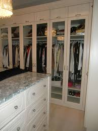 Remarkable Neutral White Walk In Closet Decorating Ideas With Open ...