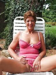 Amateur Granny Sexy Wife Nude Photo