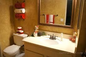 bathroom decorating ideas diy. Simple Holiday Home: Christmas Decorating Ideas For The Guest Bathroom Diy R