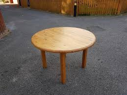 solid pine round dining table free delivery 714