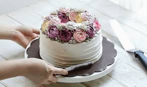 Online midnight cake delivery in Delhi NCR.
