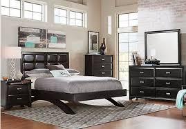 Belcourt Black 7 Pc King Platform Bedroom