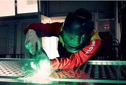 My future profession is a <b>welder</b> / Моя будущая профессия – <b>сварщик</b>