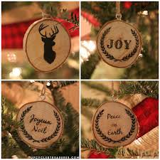 Take a look at how to make your own DIY wood slice Christmas ornaments! Plus