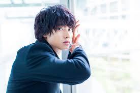 山崎賢人の髪型の作り方パーマパーマなし短髪ショートなど