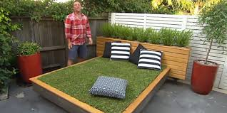 How to make a grass day bed