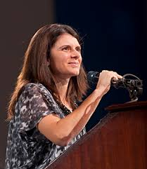 Soccer star Mia Hamm encourages UD audience to persevere