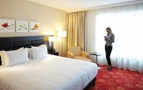 garden inn suites new york. Mobility Accessible 1 King Bedroom Suite W/Bathtub Garden Inn Suites New York