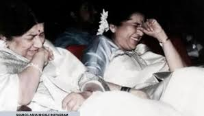 Unseen Pic Of The Day: Young Lata Mangeshkar's picture with Asha Bhosle is  unmissable