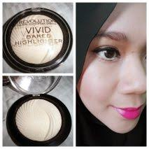 baked highlighter golden lights makeup revolution