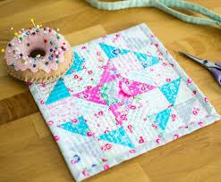 Free Mini Quilt Patterns - U Create & Friendship Mini Quilt Tutorial Adamdwight.com