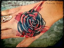 фото тату роза в стиле треш полька от мастера регина почанина