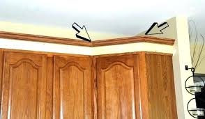 kitchen cabinet cornice adding crown molding to kitchen cabinets awesome moulding kitchen cabinets cutting crown molding