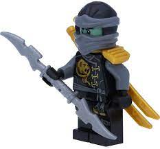 LEGO Ninjago: Cole Minifigure Witty Skybound with Galaxy Arms Double Blade  Sword: Amazon.de: Spielzeug
