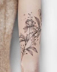 татуировка для девушки татуировка цветы татуировка на руке Tattoo