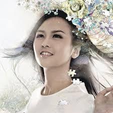 สมาชิกวง HotCha อีกคนหนึ่งค่ะ เธอคนนี้เป็นพี่ใหญ่ของวง Crystal Cheung จางเหวินเจีย เธอคนนี้เป็นคนที่มีผลงานเดี่ยวเยอะที่สุด เธอเป็นนักเขียนนะคะ เขียนหนังสือ ... - crystal-1