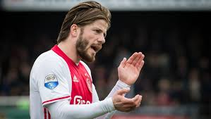 VIDEO: Schone nets for Ajax with thunderbolt free-kick