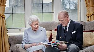 Princess elizabeth immediately acceded to the throne, becoming queen elizabeth ii and taking on all of the responsibilities which came with her new title. Queen Elizabeth And Prince Philip Celebrate 73rd Anniversary