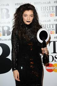 lorde s look at the brit awards by mac makeup artist amber dreadon