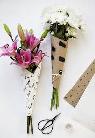 How To Wrap Flower Bouquet In Paper 10 Diy Ways To Wrap A Flower Bouquet For A Gift Flower