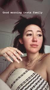 Star Tattoo Tattoos Piercings In 2019 Noah Cyrus Miley Cyrus