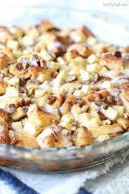 gooey apple cinnamon rolls