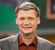 """Günther Jauch, Moderator: """"Ich gehe zur Europawahl, weil das Europäische Parlament immer wichtigere Entscheidungen - auch für mein Leben - trifft. - guenther-jauch-moderator"""