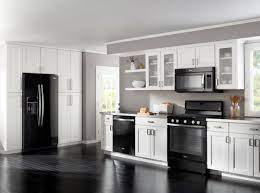 How To Decorate A Kitchen With Black Appliances Black Appliances Kitchen White Cabinets Black Appliances Kitchen Cabinets With Black Appliances